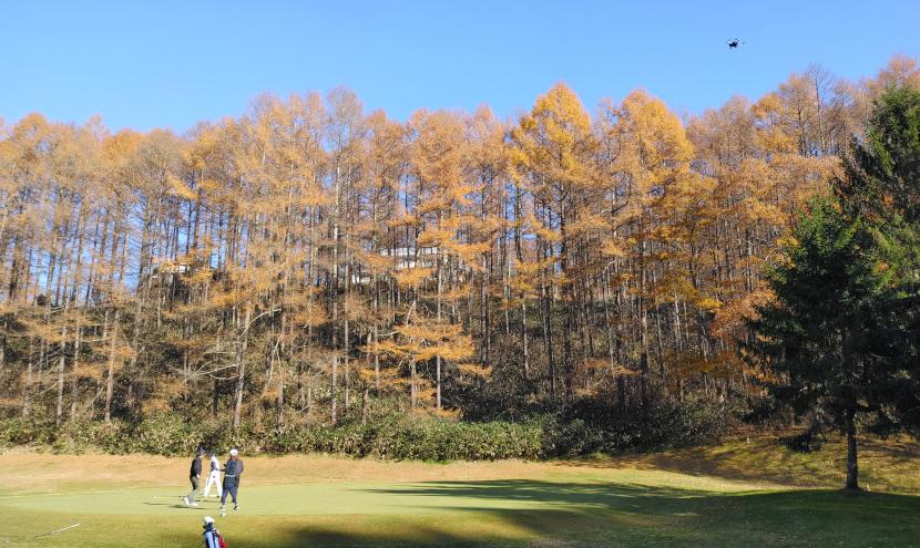 ティーチングプロ「日野尚也様」のレッスン風景を空撮した様子